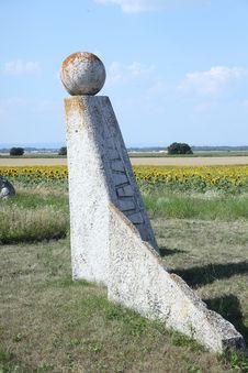 Free Stone Sculpture In Summer Fields Stock Photos - 32836783