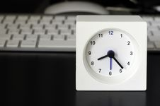 Free Clock, Keyboard, Business Table Royalty Free Stock Image - 32866066