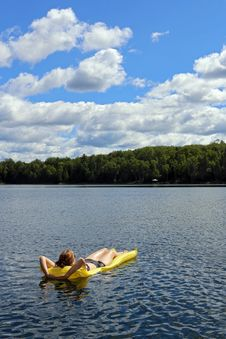 Free Relaxing On The Lake Stock Photos - 32869203