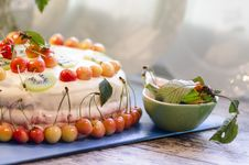 Free Bird-cherry Flour Cake With Cherries, Strawberries And Kiwi Stock Image - 32874331