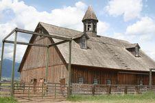 Free Old Barn Royalty Free Stock Photos - 3292828