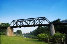 Free Old Railway Bridge Royalty Free Stock Photo - 3293075