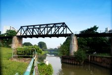 Free Old Railway Bridge Royalty Free Stock Image - 3293076