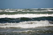 Free Nice Waves Stock Photography - 3295772