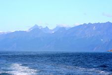Free Alaska Sea And Mountains Royalty Free Stock Image - 3296946