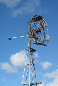 Free Rural Windmill 2 Royalty Free Stock Photography - 3297097