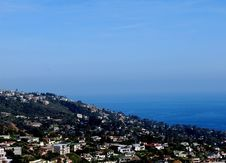 Free Panoramic Ocean View Of Laguna Beach From Hilltop Royalty Free Stock Images - 32984479
