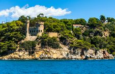 Free Fortress On The Sea Stock Photography - 32990752