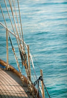 Free Yacht With Sea Ropes Royalty Free Stock Image - 32995366