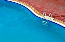 Free Swimming Pool 2 Stock Photos - 32997963
