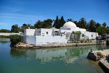 Free Traditional Arabic House In Tunisia, Lake Carthage Royalty Free Stock Photo - 32997975