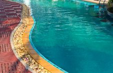 Free Swimming Pool 5 Royalty Free Stock Photos - 32997988