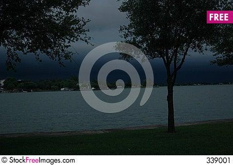 Free Dark Horizon Stock Image - 339001