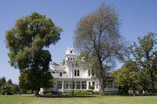 Free Big Mansion 2 Royalty Free Stock Photography - 335267