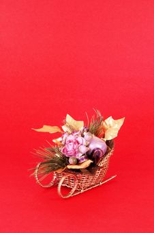 Free Christmas Flower Arrangement Royalty Free Stock Images - 336099