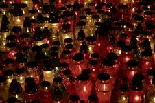 Free Many Candles Closeup 2 Royalty Free Stock Images - 337309