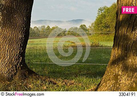 Free Smokey Mountain Scene Stock Image - 3304191