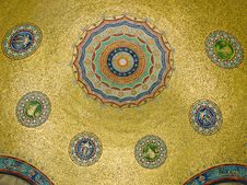 Free Golden Ceiling Royalty Free Stock Photos - 3300098
