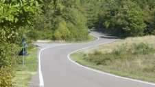 Free Winding Road Royalty Free Stock Image - 3300626