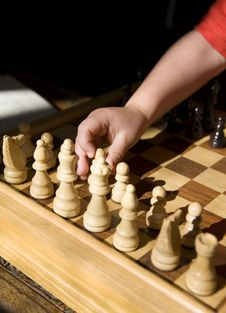 Free Child Playing Chess Stock Photography - 3300742