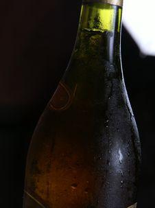 Free Wine Bottle Royalty Free Stock Images - 3308779