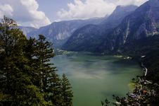 Free Hallstatt View From The Top Of The Mountain Royalty Free Stock Image - 33000096