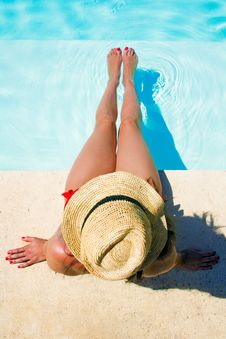 Free Woman Sitting In A Swimming Pool Stock Photography - 33005402