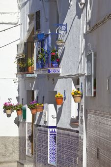 Free White Village Street Scene, Andalusia, Spain Stock Photo - 33014380