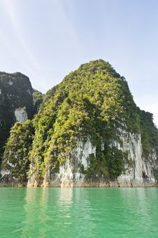 Beautiful High Mountains And Green River &x28; Guilin Of Thailand &x29; Stock Images