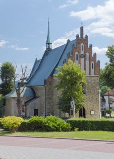 Free Old Church In Cchow, Poland Royalty Free Stock Image - 33018736