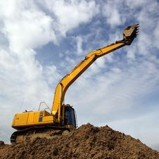 Free Excavator Royalty Free Stock Photos - 33018878