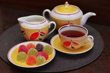 Free Tea Drinking Stock Photo - 33027740