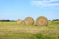 Free Hay Bales Stock Images - 33043744