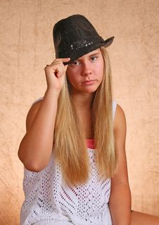 Free Young Girl With Hat Stock Photography - 33056252