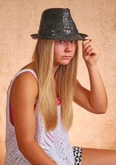 Free Young Girl With Hat Royalty Free Stock Photo - 33056325