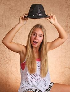 Free Young Girl With Hat Stock Image - 33056361