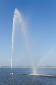 Free Rainbow And  Fountain Stock Photos - 33076473