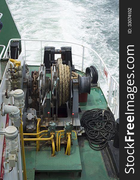 Ships mooring winch
