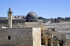 Free Temple Mount In Jerusalem. Royalty Free Stock Image - 33083336