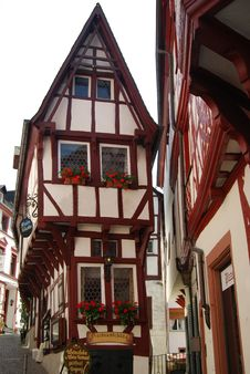 Free Half-timbered House Mosel Royalty Free Stock Image - 33088286