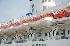 Free Moored Cruise Ship Royalty Free Stock Photos - 3311958