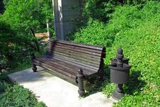 Free Empty Park Bench Stock Images - 3314784