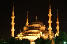 Free Blue Mosque By Night Royalty Free Stock Photography - 3315187