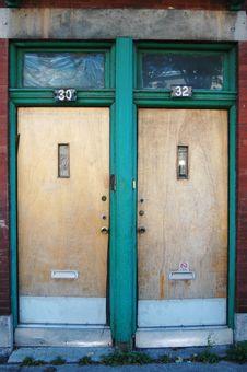 Free 2 Doors Stock Photo - 3316110