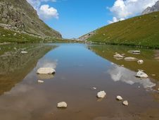 Free Lake Of In The Caucasus Stock Images - 33102744