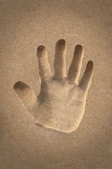 Palm&x28;hand&x29; Icon Or Sign Creation In Beach Sand - Concept Photo Royalty Free Stock Photography