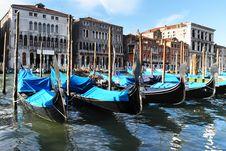 Free Venetian Gondolas Royalty Free Stock Photo - 33106515