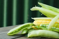 Free Green Peas And Corn. Stock Photography - 33106982