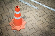 Free Traffic Cone Sign Stock Photography - 33107632