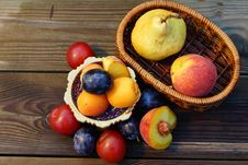 Free Summer Fruits: Pear, Peach, Plum, Apricot. Royalty Free Stock Photography - 33110747